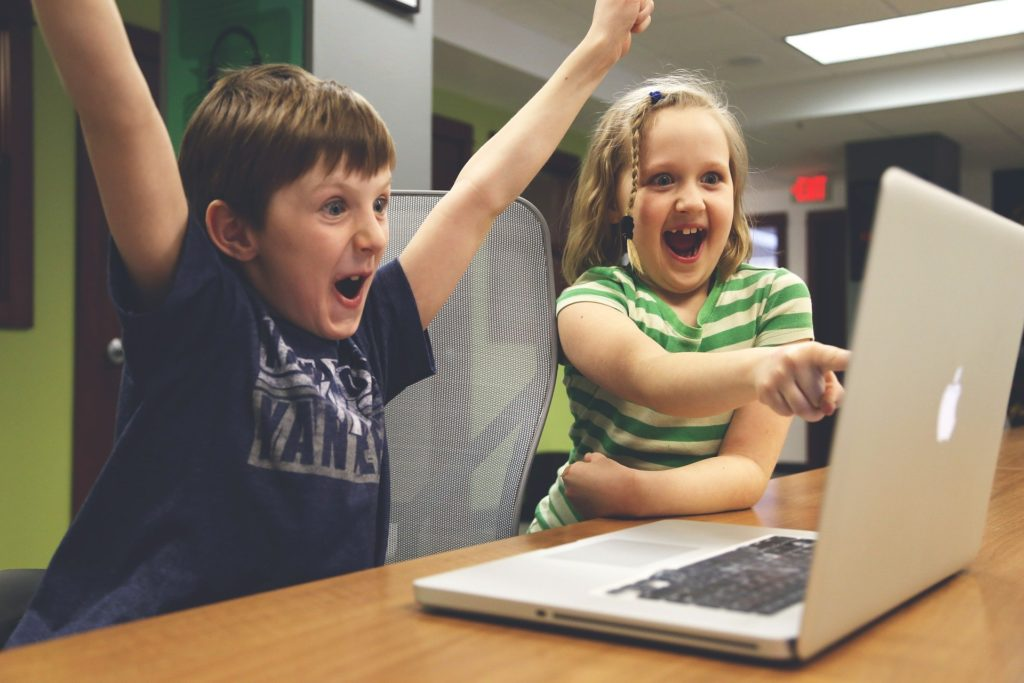 Two kids at the computer